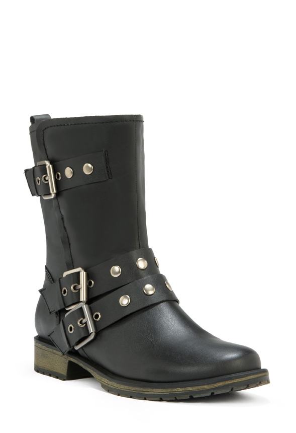 I have been a customer of JustFab for almost a year now, and have only bought a few items. I order from tgzll.ml so I don't have to pay shipping to Canada, or duty. Skipping every month is not a problem for me, as I do that on the first of every month.
