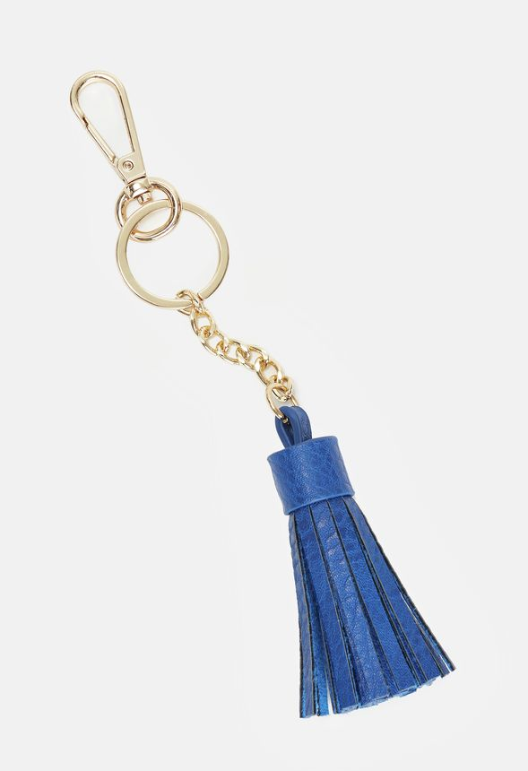 A single fringe tassel makes this keychain a classic design that can spice up your favorite bags and totes.