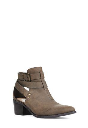 Elletria Women's Black Boots