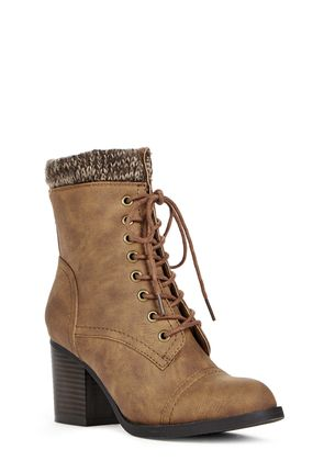 Carlona Ankle High Boots